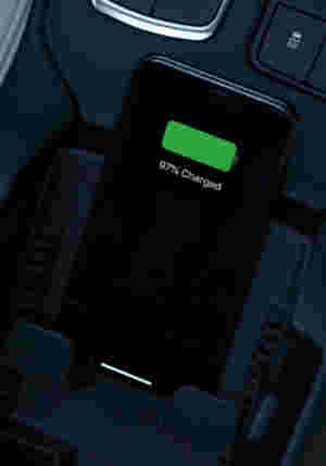XT4 Wireless Phone Charging Feature